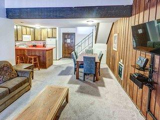 Conveniently located, one bedroom with loft, one bath, sleeps 8, Chamonix #072,