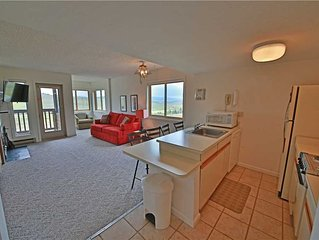 Summit 2-206: 0.5 BR / 1 BA condo in Granby, Sleeps 4