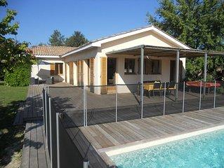 Aigues Vives: Maison contemporaine avec piscine et grand jardin
