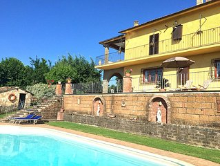 Lovely spacious villa with large pool and panoramic views near Rome/Viterbo