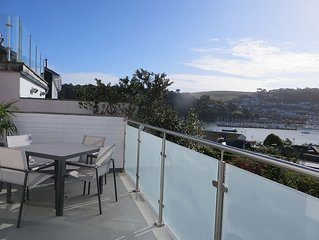 'Outlook' Apartment With Own Entrance and views over the River Dart