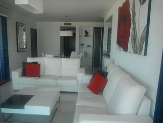 Exclusive 3 bed apartment with panoramic sea view