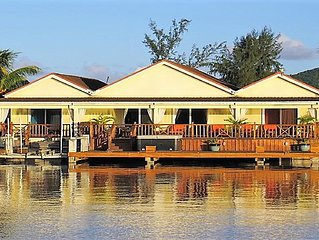 Spacious Waterfront Villa with Hydropool Spa Tub - Golf Cart optional