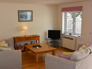 A contemporary 3 bed apartment situated in New Polzeath