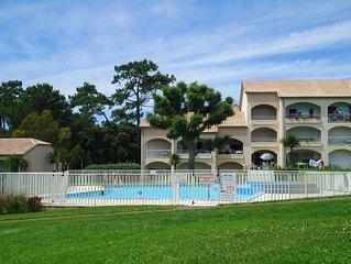 T2, Loggia, rdc, 500m de la plage,  piscine sécurisée, espaces verts, trés calme