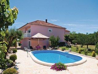 4 bedroom accommodation in Lovinac