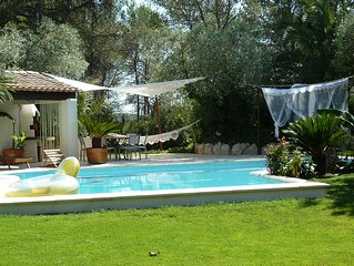Contemporary villa with pool in Saint Clement river