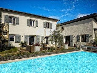 charmante villa,Anglet, piscine. 5 Cantons,mer et commerces à 5mnité. Calme