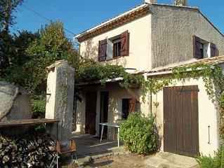 Maison de campagne au milieu des vignes, 4 personnes, village pierrefeu du Var