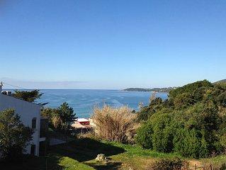 Villa vue sur mer, prenez votre petit dejeuner avec le bruit des vagues!