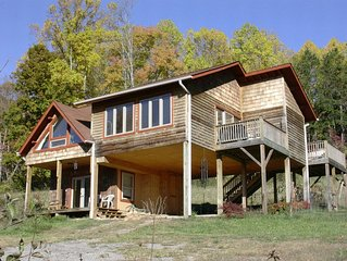 Mountain Wellness Retreat with Massage,Yoga,Sauna,Pet Friendly, Views.