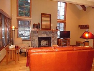 Ski access to lift, handsome pet friendly, one bedroom, two bath luxury resort