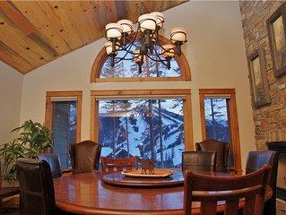 Extravagant Views of Winter Park Resort, Private Hot Tub and Sauna, Gourmet Kit