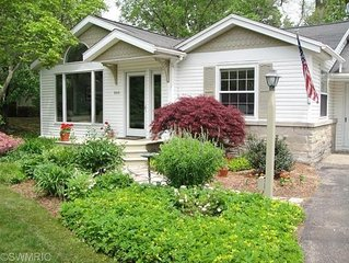 Quaint Cottage Walking Distance To Downtown Saugatuck