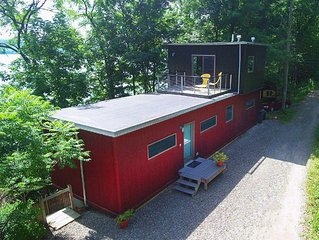 "Avant-garde Seneca:""Ultra Modern Seneca Lake Home"""