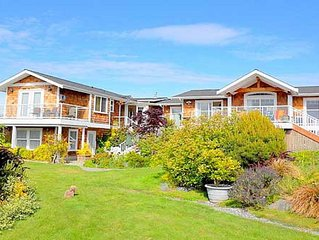 Sunlight SeaScape's Library/Bunkroom Gentle Retreat on Whidbey Is. for 3 Guests