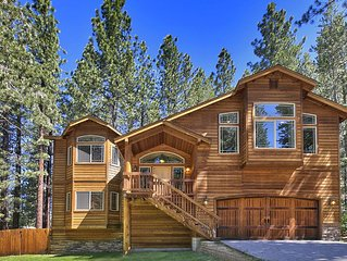 NEW LUXURY HOME - 3 Hot Tubs, 5 Flat TVs, 3 Master Bedrooms, Ski home
