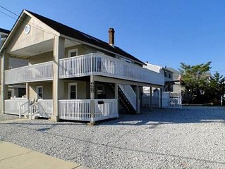 New for '17! Comfortable Condo w/ Wrap-Around Deck in SIC, NJ. 2 Blocks to Beach