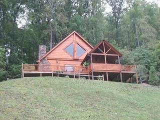 ONE OF A KIND LUXURY LAKESIDE TREE HOUSEPontoon, Ski, Hike, Rejuvenate