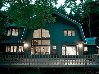 Modern Barn Getaway Near Woodstock