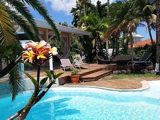 Villa avec ses Iguanes + Piscine en bord de mer proche plages et golf.