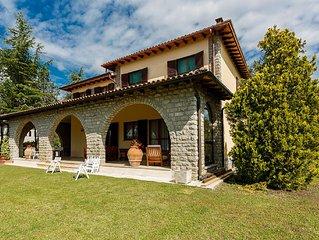 Fantastic villa with pool one step away from Borgo di Cetona