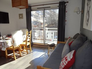 Cozy apartment 4/5 pers., Wi-Fi, 2 min. the slopes and shops. Directly south