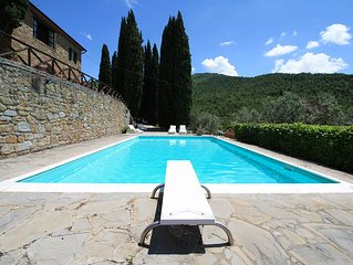 Farmhouse in the hills with panoramic view and swimming pool