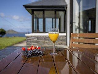 Luxury Seaside Cottage, Stunning Ocean Views, Waterville, Ring of Kerry