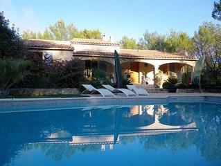 villa avec piscine(12-6),plage cuisine ete,beach-volley,soccer,25km mer