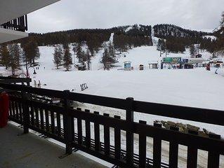 Appartement de 47 m2 plein sud situe en front de neige, acces direct aux pistes