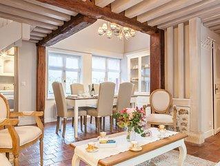 * La Maison du Pecheur avec jardine * Plein Ceour du Centre Historique Honfleur
