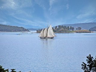 WATERFRONT! Views of San Juan Channel - 5 minutes from Downtown Friday Harbor