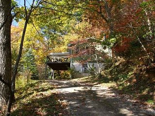 Treetop Mountain Vista , Couples Hideaway, Hot Tub Under Starlit Sky, Hiking!