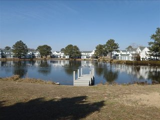 Adorable, Cheery Beach Cottage 2 Miles from Beach:  Fenwick
