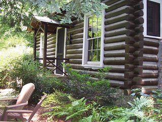 Dog Trot Cabin: Secluded Retreat within city limits