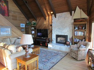 Panoramic View, Private, Low Bank Waterfront Home