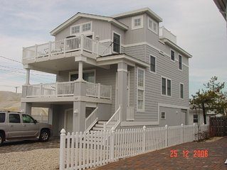 Oceanside 4 BR Home in the Heart of Beach Haven
