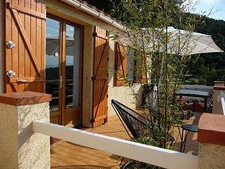 Agreable maisonnette avec terrasse privative dans site privilegie/piscine tennis