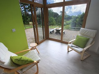 A Quirky, Modern Converted Barn In A Rural Setting With Easy Access To Kendal