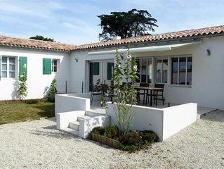 New house with garden with 6 people in La Couarde sur Mer