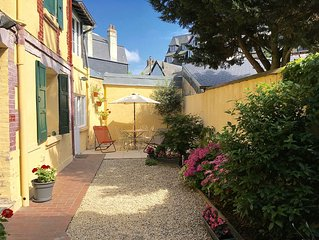MAISON FAMILIALE 6 PERS. (+enf.-3ans) , Place Morny 50 m, jardin, terrasse,