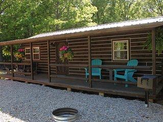 'The Monroe' Cabin at Oak Grove Resort..........New Listing!