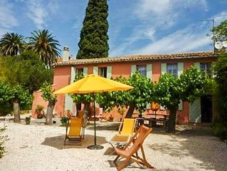 Traditional Provencal farmhouse for 14 people, 5 bedrooms