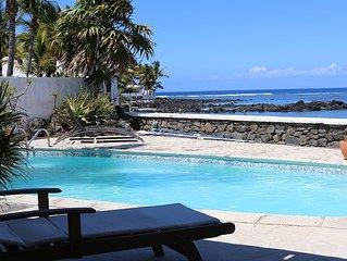 Villa Jasmin avec piscine, pieds dans l'eau avec accès direct au lagon et plage