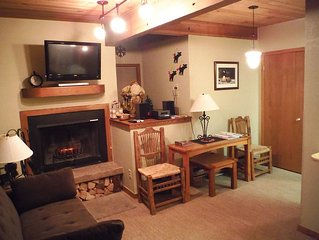Walk to Private Lift ♥ 1BR on Mt. Crested Butte  Hot Tub, FP, 4th Nt Free in Apr