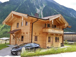Fantastic and luxurious wooden chalet in the renowned village of Krimml