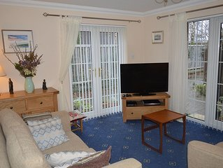 Beach Ground Floor Flat, Edinburgh, Golf Coast & Festival Let Sleeps 4