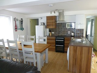 Neap Tide Looe. Spacious 3bed2bath apartment, walking distance to town & beach