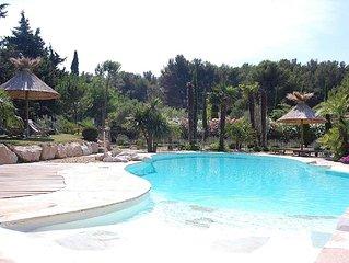 villa  provencale avec piscine environnement pinede belles prestations